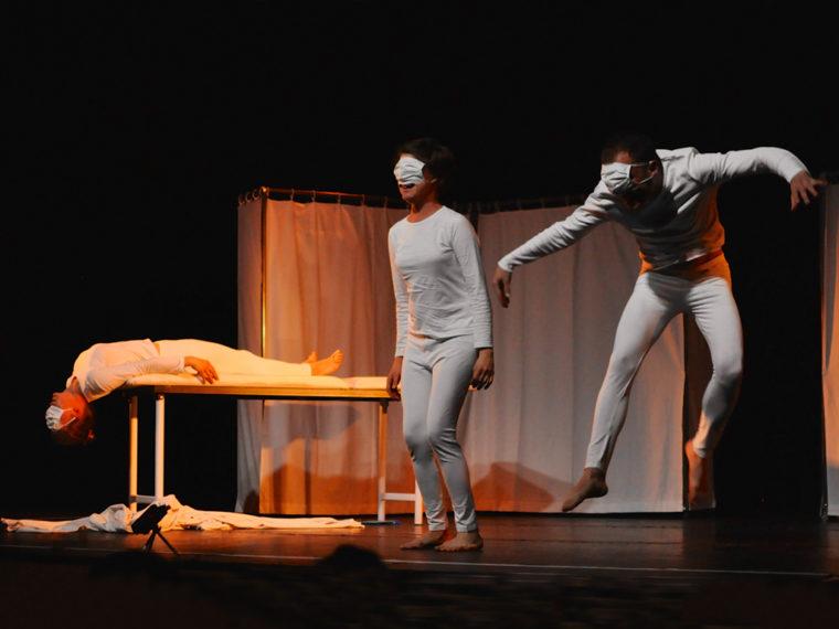 Hosto, pièce de théâtre à Paris sur l'hôpital côté patients du 14 avril au 9 mai 2015